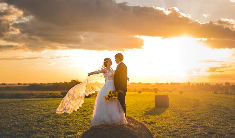 2021婚姻运势测算:女孩子千万不要低估了人性却高估了爱情!